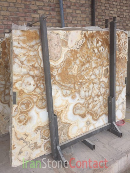 White onyx with brown tube texture