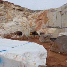 Gray and white crystaline marble Quarry